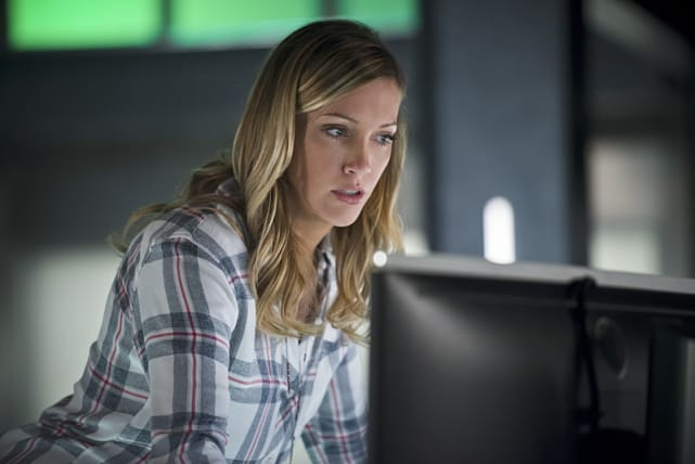 Intruder alert arrow s4e18