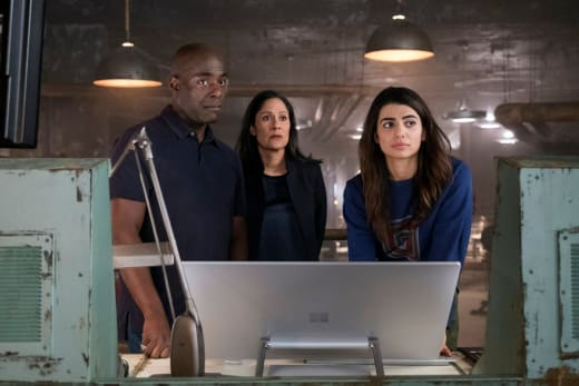 Home Team - Timeless Season 2 Episode 1
