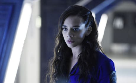 Dutch's Worried Face - Killjoys Season 1 Episode 5