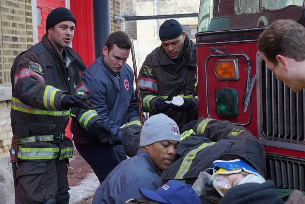 Severide and Cruz Investigate - Chicago Fire Season 4 Episode 15