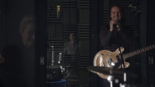 Avery performing in the studio - Nashville Season 5 Episode 8