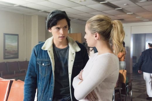 Bughead Blindsided - Riverdale Season 2 Episode 1