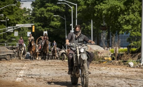 Ride With Daryl Dixon - The Walking Dead Season 9 Episode 1