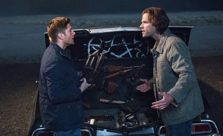What weapon to take? - Supernatural Season 12 Episode 5