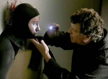 Watch Fringe Season 1 Episode 9 Online