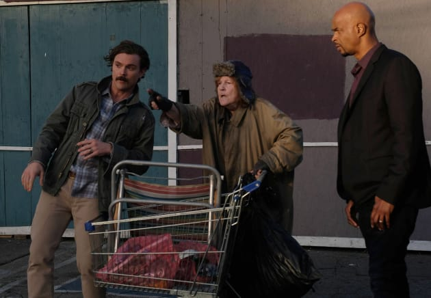 The Lady - Lethal Weapon Season 1 Episode 15