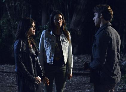 Watch Pretty Little Liars Season 4 Episode 9 Online