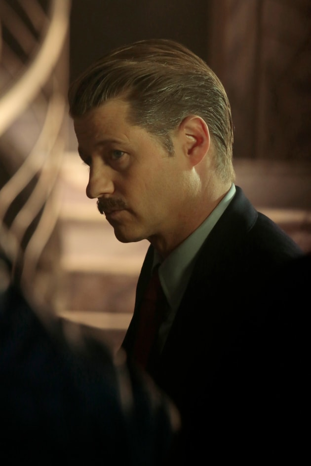 The Stache - Gotham Season 5 Episode 12