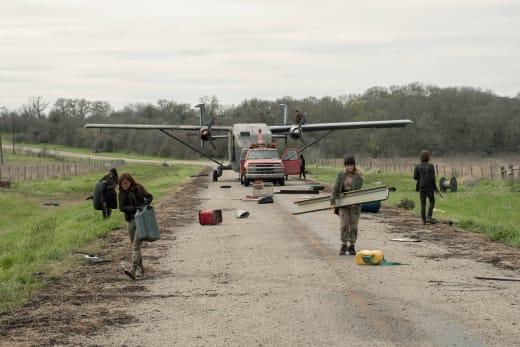 Operation Flee Radiation - Fear the Walking Dead Season 5 Episode 8