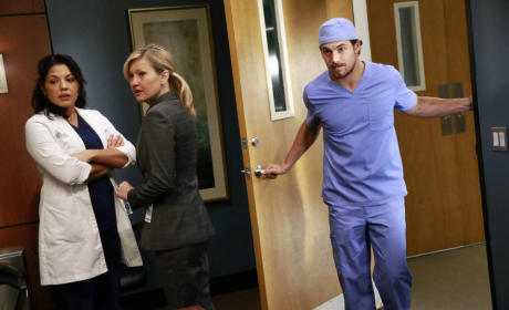 In Conference - Grey's Anatomy Season 12 Episode 1