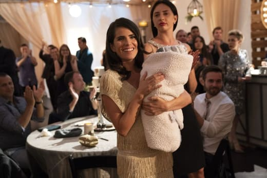 Looking On - How To Get Away With Murder Season 5 Episode 3
