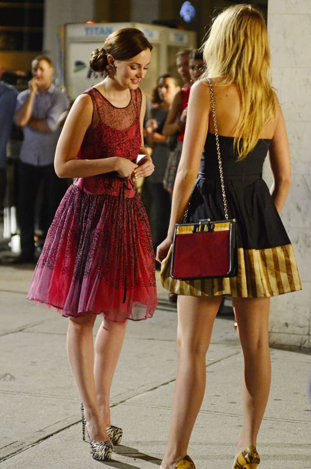 Blake Lively Leighton Meester on the Set