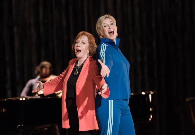 Carol Burnett on Glee Season 6 Episode 10