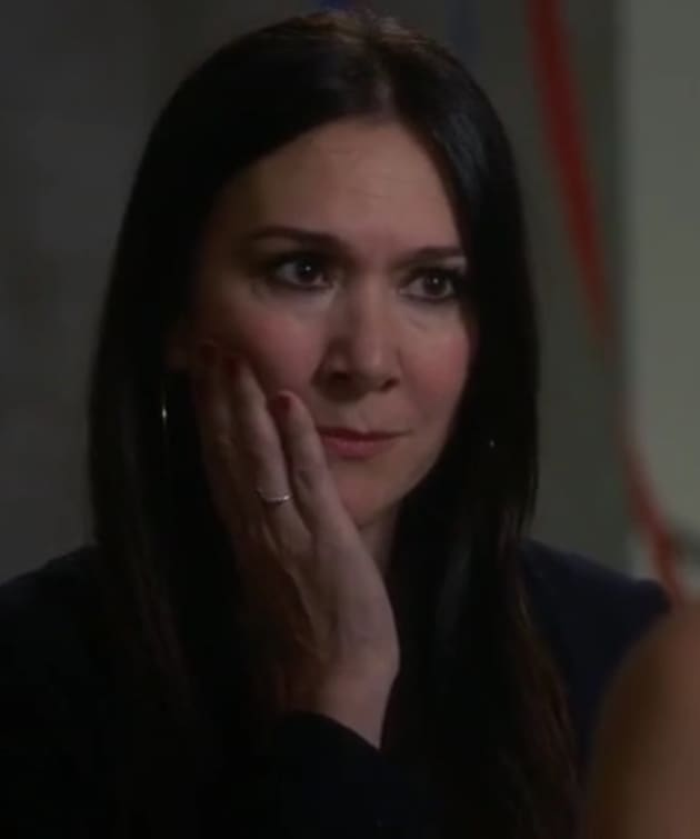 What a Face - Girlfriends' Guide to Divorce Season 3 Episode 5