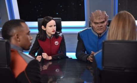 Conferring with the Senior Staff - The Orville Season 1 Episode 10