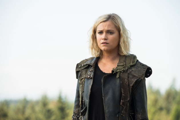 Clarke Griffin Looking On - The 100 Season 6 Episode 3