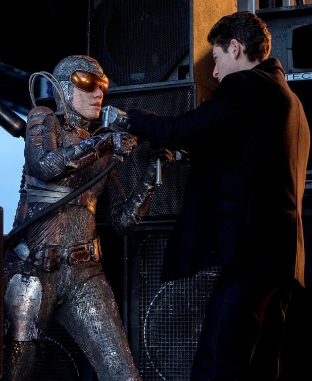 Bruce Takes on Firefly - Gotham Season 4 Episode 18