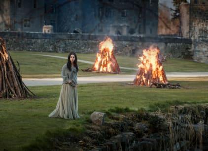 Watch Reign Season 1 Episode 1 Online