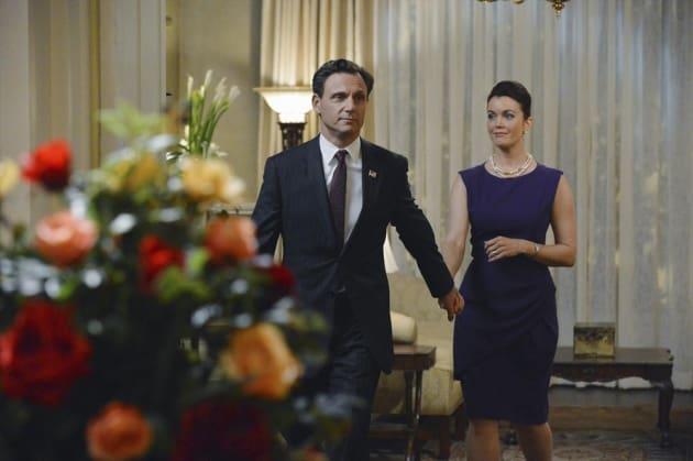 Fitz & Mellie Holding Hands