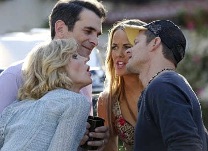 Watch Modern Family Season 6 Episode 12 Online