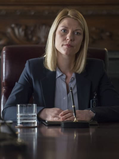 Carrie at a Meeting - Homeland Season 6 Episode 12