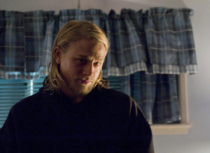 Watch Sons of Anarchy Season 2 Episode 1 Online