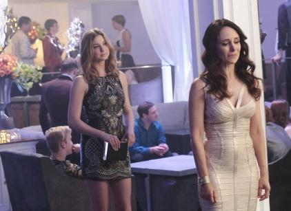 Watch Revenge Season 3 Episode 20 Online