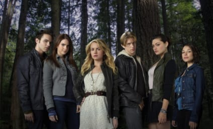 Secret Circle First Look: The Coven
