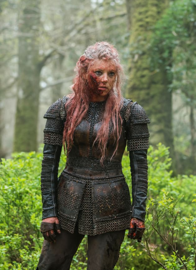 Bloody Lagertha Standing - Vikings Season 5 Episode 19