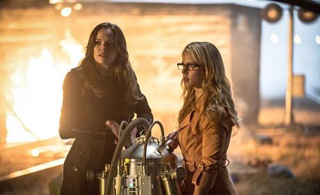 Flashy Ladies - The Flash Season 1 Episode 4