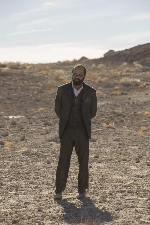 Bernard in the Desert - Westworld Season 2 Episode 10
