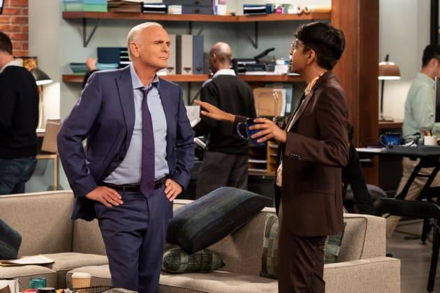 Pat Gives Frank an App - Murphy Brown Season 11 Episode 4