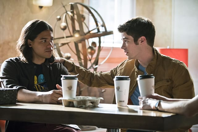 Giving Advice - The Flash Season 2 Episode 5