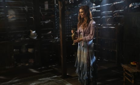Welcome back, Ariel! - Once Upon a Time Season 6 Episode 15