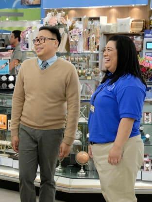 Mateo and Sandra - Superstore Season 5 Episode 3