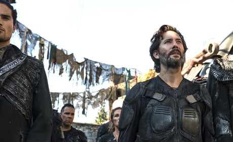 Kane in Awe - The 100 Season 3 Episode 3