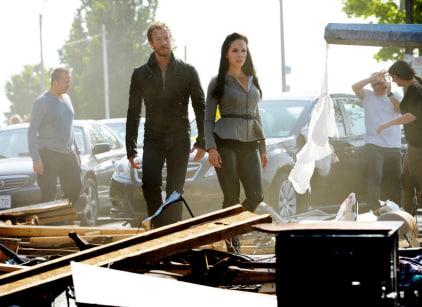 Watch Lost Girl Season 5 Episode 7 Online