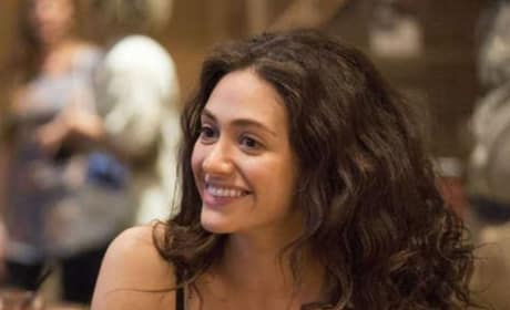 Fiona Smiles - Shameless Season 8 Episode 9