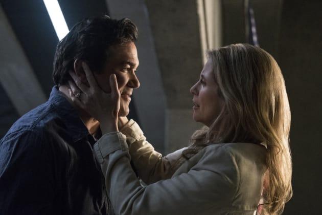 Seeing is Believing - Supergirl Season 2 Episode 14
