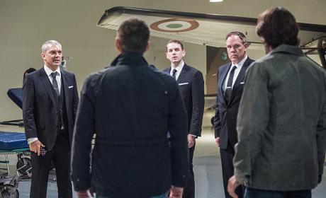 Sam and Dean make friends - Supernatural Season 12 Episode 5