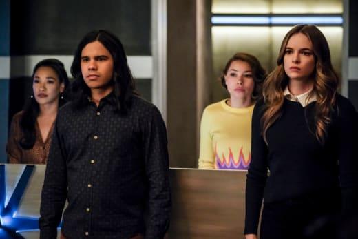 Team Flash Stunned - The Flash Season 5 Episode 16