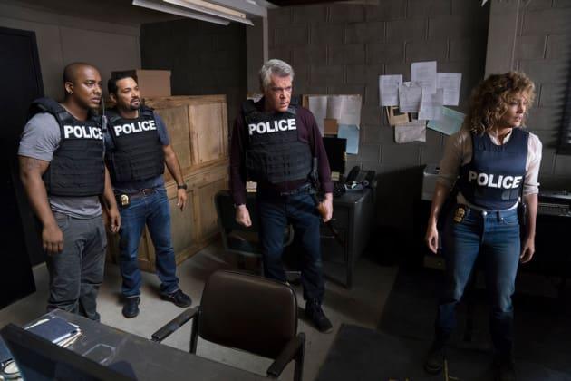 No Back Up - Shades of Blue Season 3 Episode 6