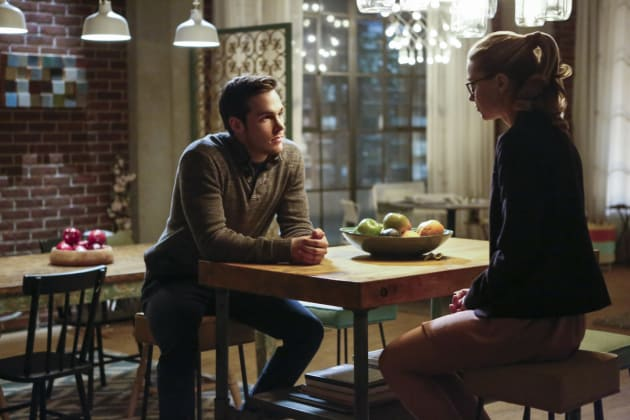 Mon-El and Kara Talk - Supergirl Season 2 Episode 10