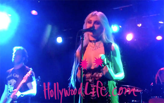 Taylor Momsen Flashes Crowd