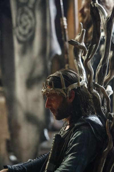 Roan Calls An Assembly – The 100 Season 4 Episode 2