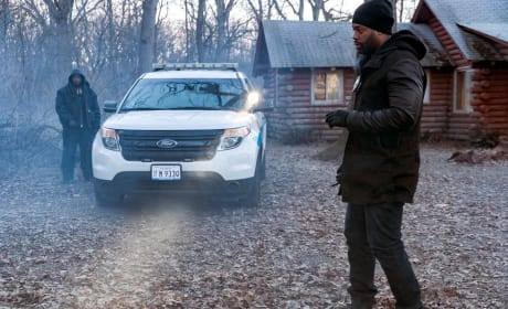Cabin in the Woods - Chicago PD Season 4 Episode 17