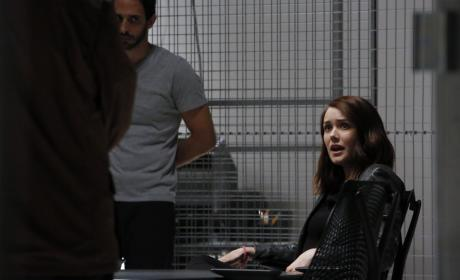 Liz works with the team - The Blacklist Season 4 Episode 6
