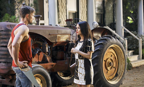 Nice Tractor - Hart of Dixie Season 4 Episode 1