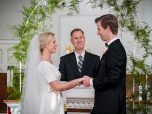 Pastor Jeff Gets Married - Young Sheldon