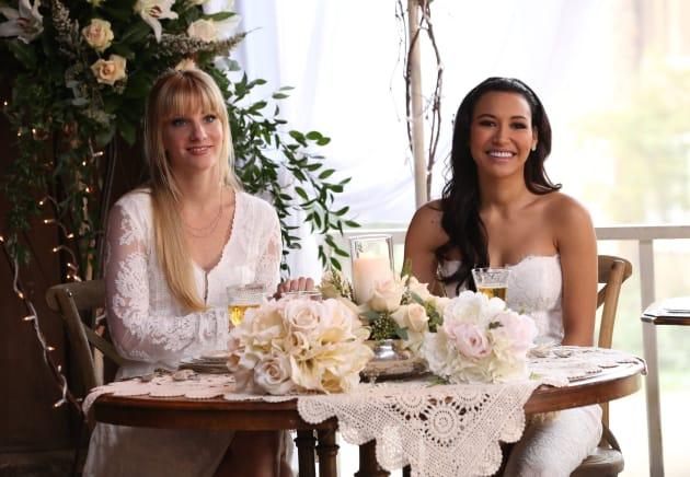 A Gleeful Wedding Season 6 Episode 8